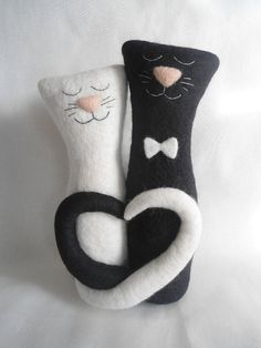 Needle felted sculpture/ Needle Felted Cat/ Loving by Daromir, $150.00 Daromir [Russia] - https://www.etsy.com/shop/Daromir #cats #blackandwhite #blackcat #whitecat