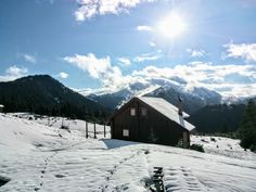 Great View, Log Homes, Mount Everest, Greece, Cabin, Mountains, House Styles, Travel, Timber Homes