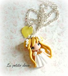 princess serenity necklace by lapetitedeco on Etsy Polymer Clay People, Cute Polymer Clay, Polymer Clay Animals, Cute Clay, Polymer Clay Dolls, Polymer Clay Miniatures, Polymer Clay Projects, Polymer Clay Charms, Polymer Clay Creations