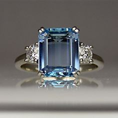 Aquamarine and diamond ring in platinum.