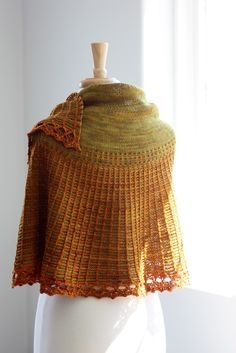 Beautiful knit shawl pattern, Carson by Rosemary (Romi) Hill...link to the pattern on Ravelry; available there on Dec. 1, 2012