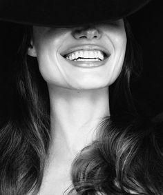 Angelina   Una  linda sonrisa