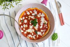 Pizza in padella, scopri la ricetta: http://www.misya.info/ricetta/pizza-in-padella.htm