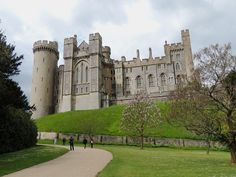 Arundel Castle perched high on a hill overlooking the South Downs and the town of Arundel in West Sussex England. Arundel Castle, Worthing, Castles, United Kingdom, Medieval, England, Group, Mansions, House Styles
