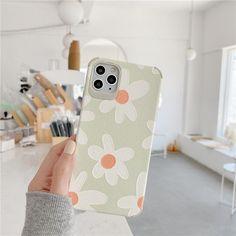 Daisy Flower iPhone Case - Apple 11