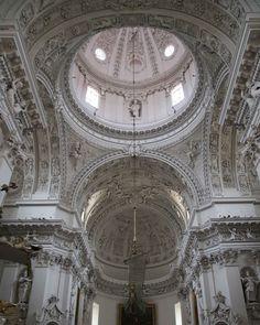 White #baroque in #Vilnius #Lithuania #travelgram #travel