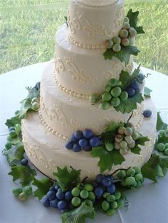 Not a huge fan of the grapes, but I like the cake
