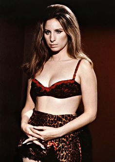 """""""Barbra Streisand in The Owl and the Pussycat, 1970 """" American Singers, American Actress, Loren Sofia, The Pussycat, Barbra Streisand, Hello Gorgeous, Celebs, Celebrities, Girl Humor"""