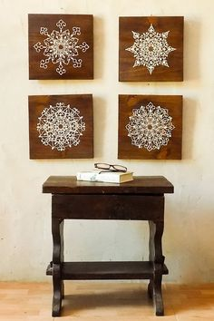 Set of four wooden squares with white mandala painted by hand made in wood from sustainable forests. Choose your favorite wood tone set! Wall Art Sets, Diy Wall Art, Wood Wall Art, Mandala Artwork, Mandala Painting, Mandala Art Lesson, Acrylic Paint On Wood, Painting On Wood, Bohemian Wall Decor