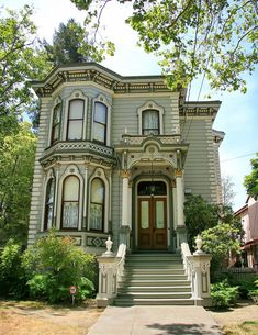 New Exterior Paint Victorian Architecture Ideas Victorian Homes Exterior, Victorian Style Homes, Victorian Architecture, Old Victorian Houses, Victorian Townhouse, Classic Architecture, Old House Design, Design Your Own Home, Exterior House Colors