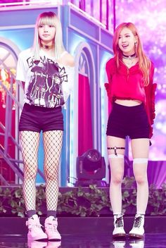 rose and lisa blackpink Blackpink Fashion, Korean Fashion, Fashion Outfits, Womens Fashion, Blackpink Lisa, Kpop Girl Groups, Kpop Girls, Girls Generation, Kpop Mode