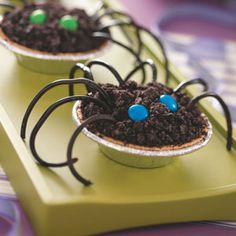 Easy Chocolate Pudding Spiders for Halloween
