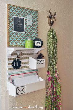 Não tem muito espaço para deixar as chaves ou correspondências à vista? Que tal deixar tudo pendurado com um ar mais organizado? Inspire-se nessa ideias.