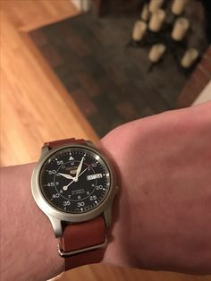 Seiko 5 with leather NATO Wrist Watches, Men's Watches, Cool Watches, Watches For Men, Seiko Snk809, Retro Watches, Amazing Watches, Telling Time, Men's Style