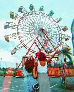 DICAS E TRUQUES PARA TRANSFORMAR QUALQUER FOTO NORMAL EM TUMBLR (pelo celular mesmo) ♥ Tumblr Bff, Tumblr Girls, Kids Tv Stand, Beto Carrero World, Selfies, Wheel In The Sky, Entertainment Center Decor, Summer Goals, Shop Front Design