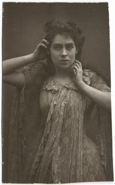 NO NAME (actress) 8_Woodbury by Performing Arts / Artes Escénicas, via Flickr