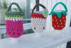 Crochet Cozy, Cute Crochet, Crochet Crafts, Yarn Projects, Crochet Projects, Small Crochet Gifts, Quick Crochet Patterns, Hand Sanitizer Holder, Crochet Accessories