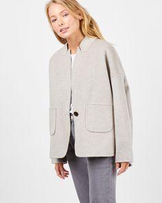 77ea25f3487 Пальто-жакет из шерсти и кашемира размера one size. Фигурный воротник
