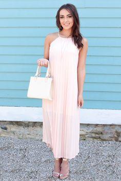 Averie Nicole Blog | Maxi Dress | Pleats | Lulu's | Target Style | www.averienicole.com