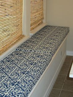Kitchen window seat cushions diy bench for 2019 Window Seat Cushions, Window Benches, Window Seats, Bench Cushions, Diy Cushion, Cushion Tutorial, Stool Cushion, Window Seat Kitchen, Kitchen Windows