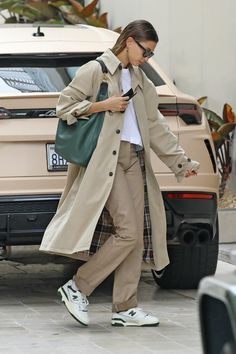 Estilo Hailey Baldwin, Hailey Baldwin Style, Mode Outfits, Fall Outfits, Fashion Outfits, Look Fashion, Daily Fashion, Mode Dope, Look Star