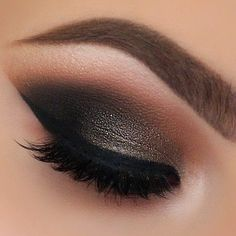 Smokey Eye Makeup ❤ liked on Polyvore featuring eyeshadow and makeup