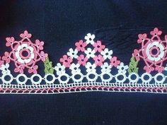 HUZUR SOKAĞI (Yaşamaya Değer Hobiler) Crochet Flowers, Crochet Lace, Saree Tassels, Crochet Borders, Lace Trim, Diy And Crafts, Crochet Necklace, Embroidery, Knitting