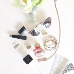 We're glad that #Jamberry is on the list of essentials. What is on your Go To list? : @comejamwithb #GatsbyJN #SirenSongJN