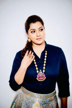 Varalaxmi Sarathkumar Most Beautiful Bollywood Actress, Bollywood Actress Hot Photos, Indian Bollywood Actress, Tamil Actress Photos, South Indian Actress, Indian Actresses, Sonam Kapoor, Deepika Padukone, Sonakshi Sinha