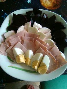Zeleninový salát - červená řepa, mozzarela, šunka, vajíčko