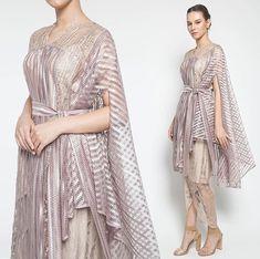 Dress Brokat Modern, Kebaya Modern Dress, Kebaya Lace, Kebaya Dress, Modest Fashion, Fashion Outfits, Hijab Style Dress, Simple Gowns, Batik Fashion