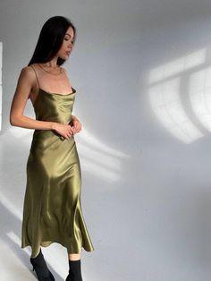 Source by Dresses Khaki Dress, Green Dress, Bridesmaid Dresses, Prom Dresses, Formal Dresses, Silky Dress, Silk Slip, Green Silk, Queen