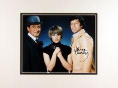 joanna-lumley-autograph-signed-photo-the-new-avengers-2279-p.jpg (640×480)