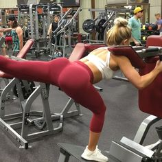 Fave day of the week! Booty day  Listen here.... Want to grow the peach? Focus on using HEAVY A$$ weight, lower reps. I train legs 2x a week. Get ready for the gains!  4 x 8: Front Squat Machine - Back Lunge with Kickback (this KILLS ME)  3 x 20 Decline Booty Raise with Ball.  4 x 8 Good Mornings  3 x 20 Kneeling Squat with Resistance Band  Tag your booty gains BFF below!
