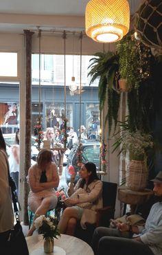 アクセサリー屋さんのフラワーデコ♬ の画像 パリのお花屋さん