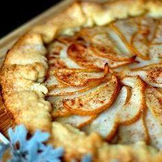 #Birnenkuchen auf französisch. Diese #Birnentarte wird vor dem Backen mit gemahlenen Mandeln bestreut.  http://de.allrecipes.com/rezept/12362/birnentarte.aspx