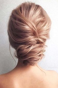 Messy Updo Vibes for Thin Hair picture 3
