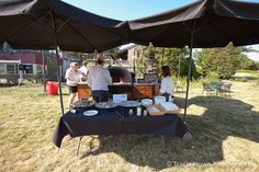 Vendor Showcase Veraci Pizza on the Event Lawn. Washington Park, Wood Fired Pizza, Fun At Work, Botanical Gardens, Seattle, Lawn, Table Decorations, Dinner Table Decorations, Grass
