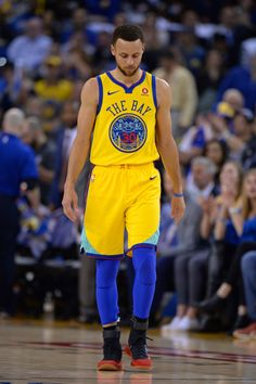 Golden State Warriors  Stephen Curry (30) walks back to take his free- 8d282aa79