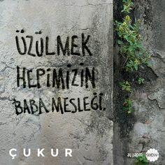 Sen de kendi cümleni söyle, lafın #Çukur duvarlarına yazılsın, adın ise Çukur tarihine! #ÇukurdaSözünGeçer @ayyapim @showtv Street Graffiti, Fake Photo, Film Quotes, Galaxy Wallpaper, Cool Words, Sentences, Karma, Slogan, Best Quotes
