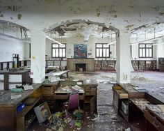 Photos of a derelict Detriot by Yves Marchand and Romain Meffre- absolutely fascinating!