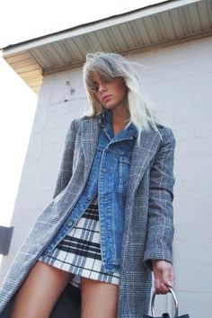 Layering a checked blazer on top of a denim jacket Denim Jacket Outfit Summer, Jean Jacket Outfits, Summer Denim, Denim Outfits, Denim Fashion, Star Fashion, Fashion Outfits, Fashion Decor, Checked Blazer