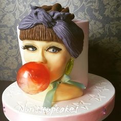 PIN UP GIRL CAKE by Nurisscupcakes