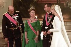 The royal family in The Royal Palace; wedding of Crown Prince Haakon of Norway and ms. Mette-Marit Tjessem Høiby, August 25th 2001