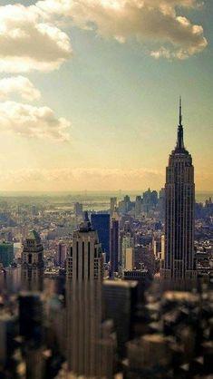 Está enjoado(a) sempre do mesmo papel de parede no background do seu Whatsapp? NYC New York City Travel Honeymoon Backpack Backpacking Vacation Tumblr Wallpaper, Cool Wallpaper, Iphone Wallpaper, Walpapers Hd, Backgrounds Wallpapers, Wallpaper Fofos, Les Gifs, City Photography, Cool Walls