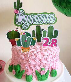 Llama Birthday, 11th Birthday, Birthday Parties, Birthday Cake, Movie Night For Kids, Movie Night Party, Ideas Para Fiestas, Drip Cakes, Cupcake Cakes