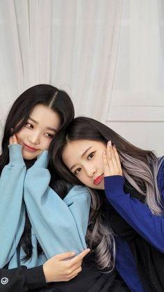 Kpop Girl Groups, Kpop Girls, Best Frind, Twice Photoshoot, Kitsune Mask, Japanese Girl Group, Happy Moments, Cute Icons, The Wiz