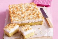 Lemon Coconut Slice This lemon slice makes the perfect Sunday afternoon treat. Lemon Coconut Slice, Lemon Curd, Sweet Recipes, Cake Recipes, Dessert Recipes, Easy Slice, Cheesecake Toppings, Buttery Biscuits, Tray Bakes