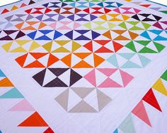 Red Pepper Quilts: The Finale ~ Broken Dishes Quilt - nice use of solids Quilting Projects, Quilting Designs, Sewing Projects, Quilting Ideas, Sewing Ideas, Pattern Blocks, Quilt Patterns, Rainbow Quilt, Simple Shapes