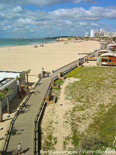Endless sandy sunny beach - #Algarve: Praia da Rocha - Portugal